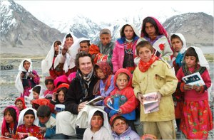 greg mortenson with sitara (star) schoolchildren